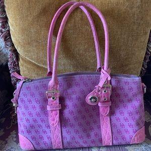 Dooney & Bourke pink handbag in great condition